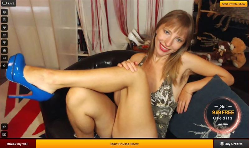 Blonde, hairy arm-pit babe on LiveJasmin.com